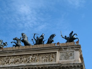 Sculptures on the roof of the Teatro Politeama